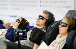 Photo: People with sunglasses relaxing und sun bathing © Messe Dusseldorf